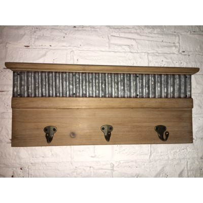 Plaque de Bois avec Crochet de Métal 46,5x4,5x19cm